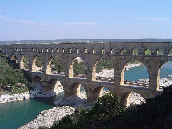 Foto del ponte del Gard - Fonte Wikipedia