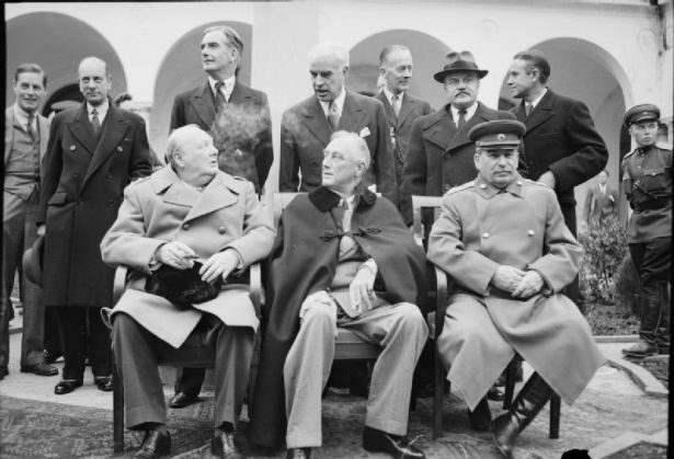 Churchill, Roosevelt, Stalin a Yalta - Fonte Wikipedia
