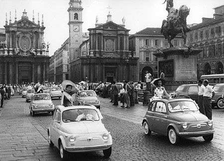 Fiat 500 in piazza San Carlo a Torino