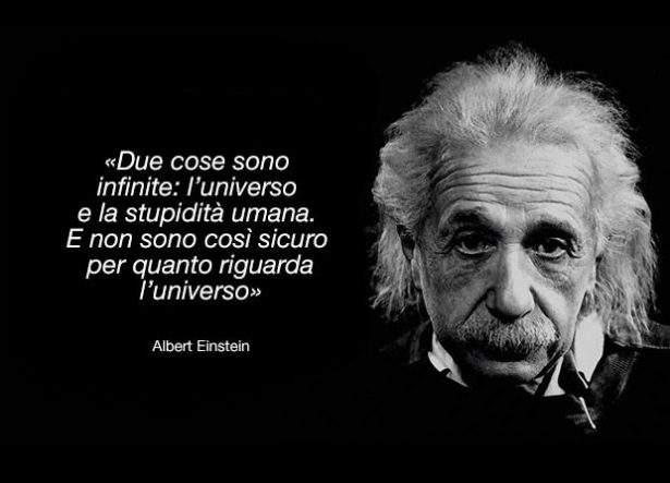 Massima e foto di Albert Einstein.